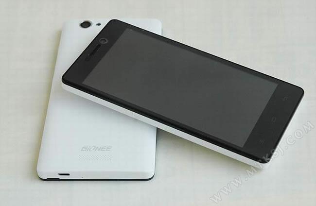 Gionee V185   недорогой смартфон с батареей на 4350мАч.